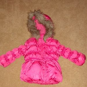 Gap Girls Size 3 pink puffer coat with fur trim